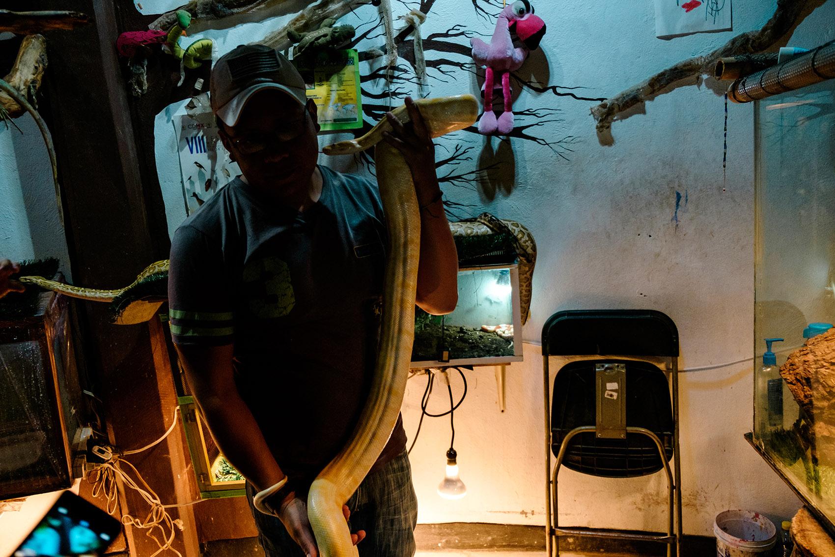 El Rey de la Serpiente por Ockesaid a.k.a Joel Lugo - Street Photographer